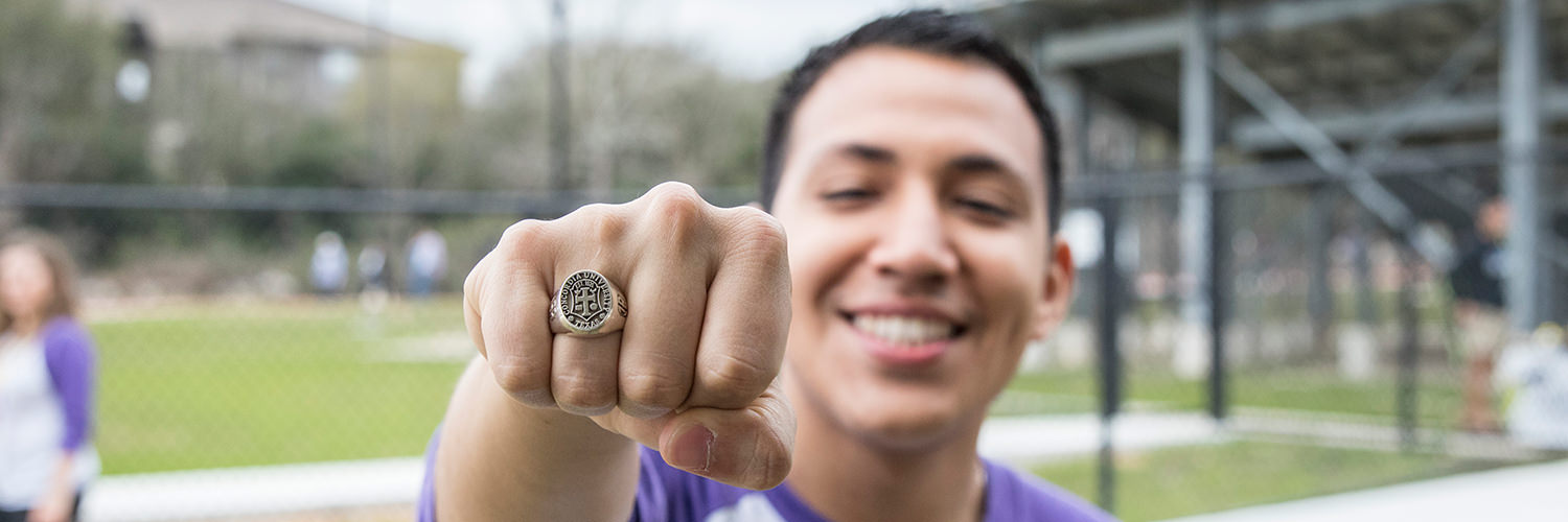 CTX Alumnus with Concordia Class Ring
